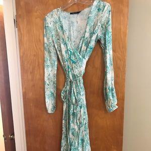 Dresses & Skirts - Gorgeous turquoise snake print wrap maxi